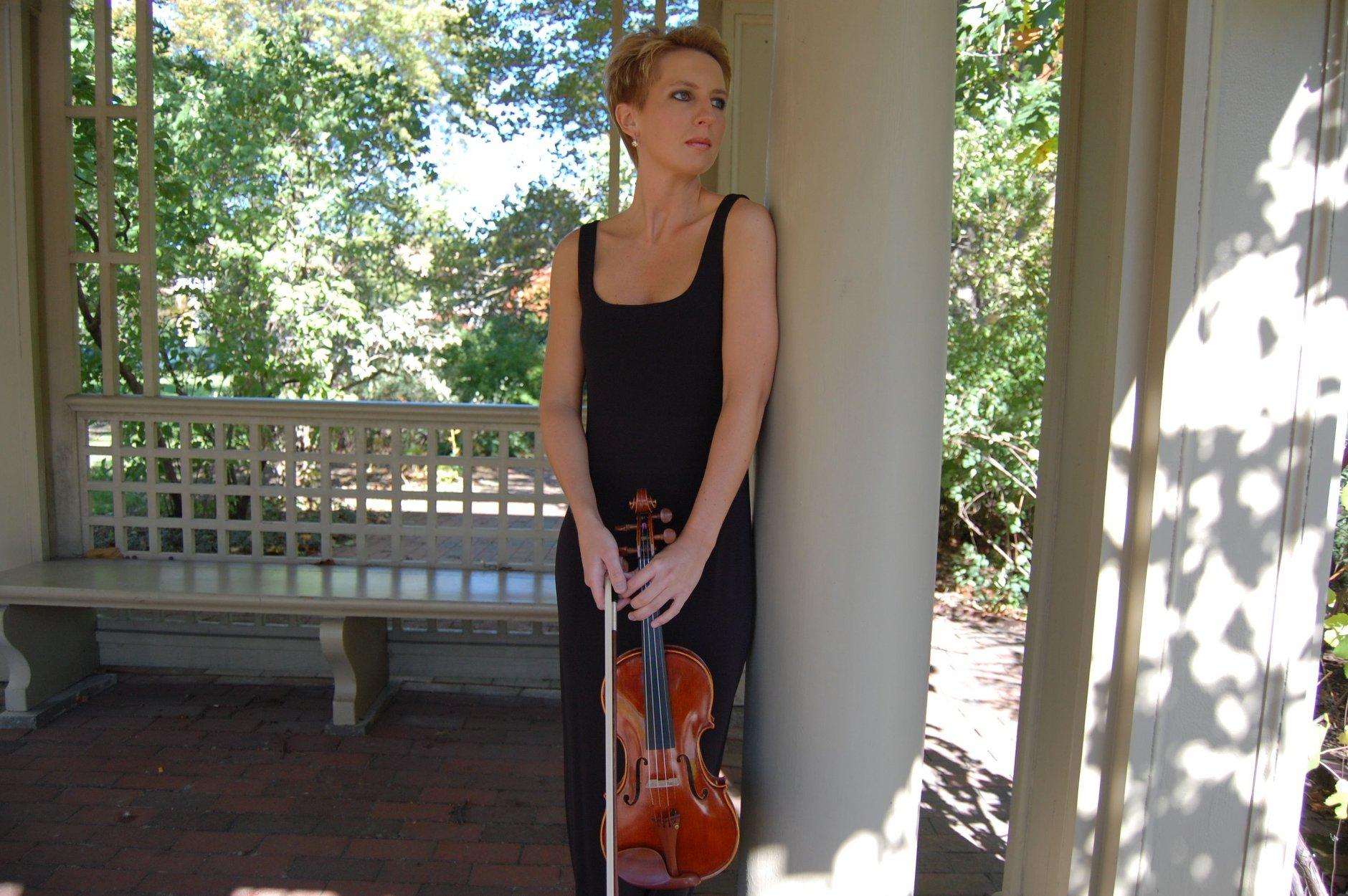 karine violin portrait pic 7